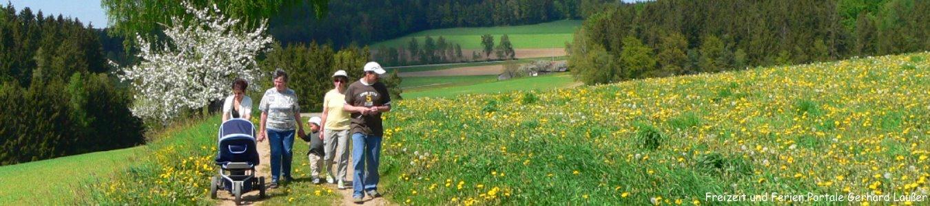 günstiger Familienurlaub im Bayerischen Wald Spaziergang mit Kindern